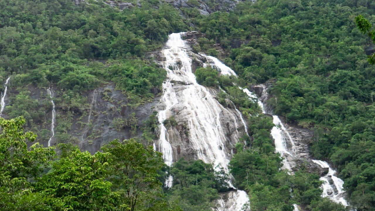 cachoeira do ngao 1280x720 1 - TRAGÉDIA: Turista tenta tirar selfie em cachoeira e morre após queda de 15 metros