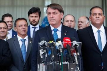 """""""O auxílio, infelizmente para os demagogos e comunistas, não pode ser para sempre"""", diz Bolsonaro"""