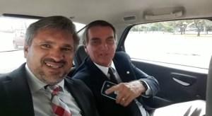 julian e bolsonaro 300x164 - O DELEGADO APELOU! Vídeo em que Bolsonaro aparece apoiando Virgolino foi gravado há 4 anos por Julian Lemos