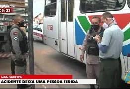 Tijolo cai de caminhão e atinge passageira dentro de ônibus em Mangabeira