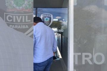nilvan policia - A CAMPANHA COMEÇOU: Candidato a prefeito de João Pessoa denuncia ameaça de homem armado com pistola durante adesivagem na orla - VEJA VÍDEO