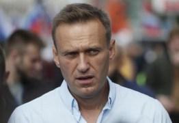 Opositor de Putin sai do coma induzido após envenenamento