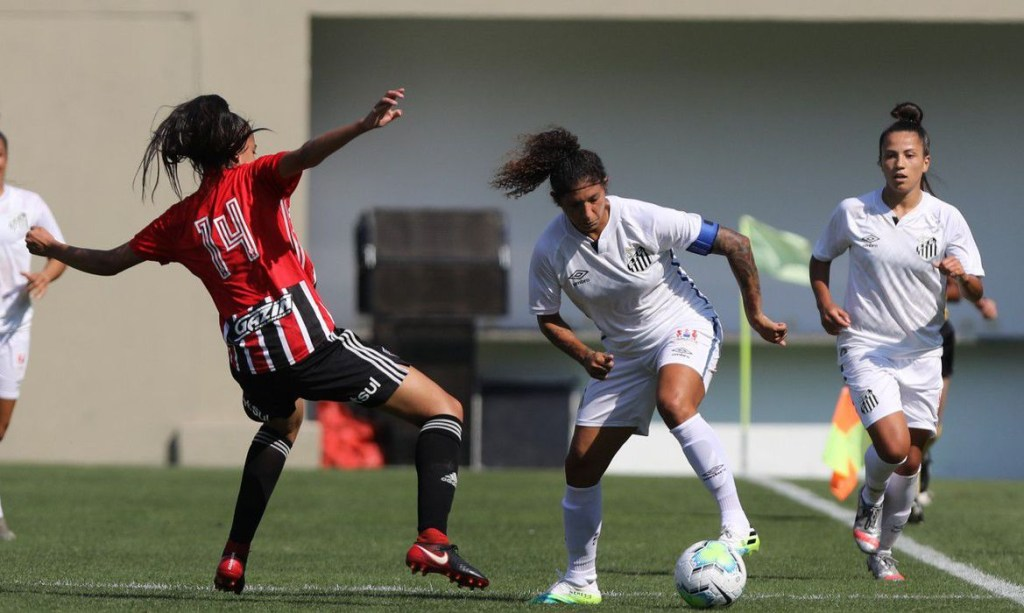 santos e sp futebol feminino 1024x613 - Santos ganha clássico e segue na liderança do Brasileiro Feminino