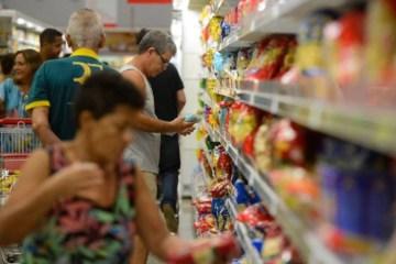 supermercado 768x459 1 - Feijão carioca fica 45% mais caro em setembro e registra a maior alta entre alimentos