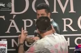 Bruno e Marrone se estranham durante live e Leonardo acalma os ânimos