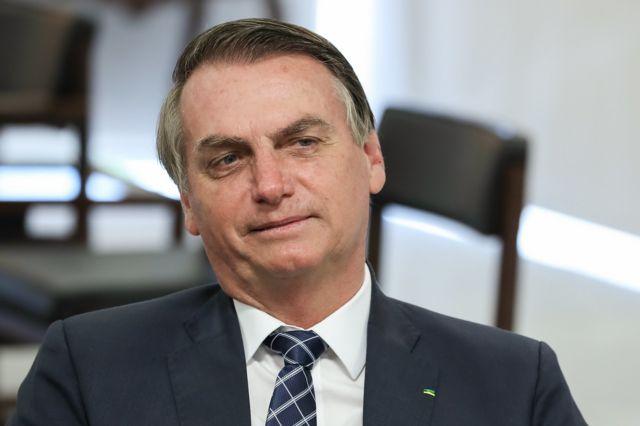 """110373841 bolso2 - Livro aponta Jair Bolsonaro como capitão da """"República das Milícias"""""""