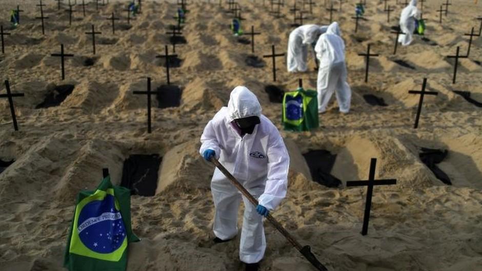 115023705reu2 - A falta que os mortos na pandemia farão também para a riqueza do Brasil - Por Paula Adamo