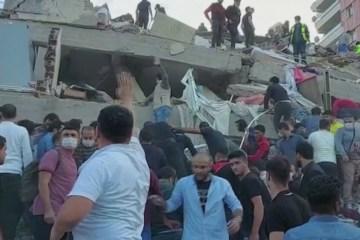 17699 C58FACA126BC8EF0 - Terremoto de magnitude 7 abala Turquia e Grécia e mata ao menos 4