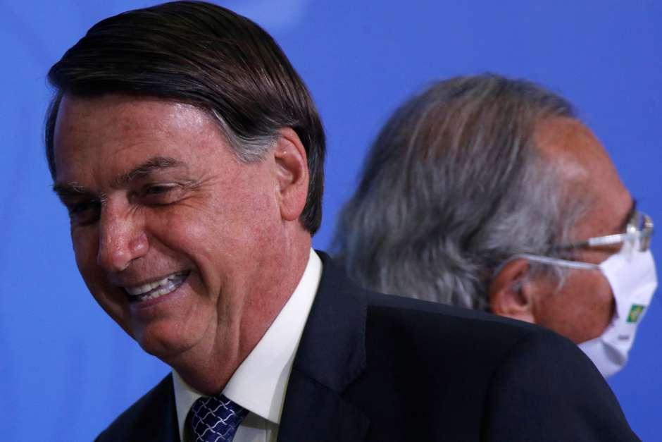 """2020 10 02T003829Z 1 LYNXMPEG9100H RTROPTP 4 BRAZIL ECONOMY BOLSONARO - """"Nem sei se vou ser candidato em 2022"""", diz Bolsonaro"""