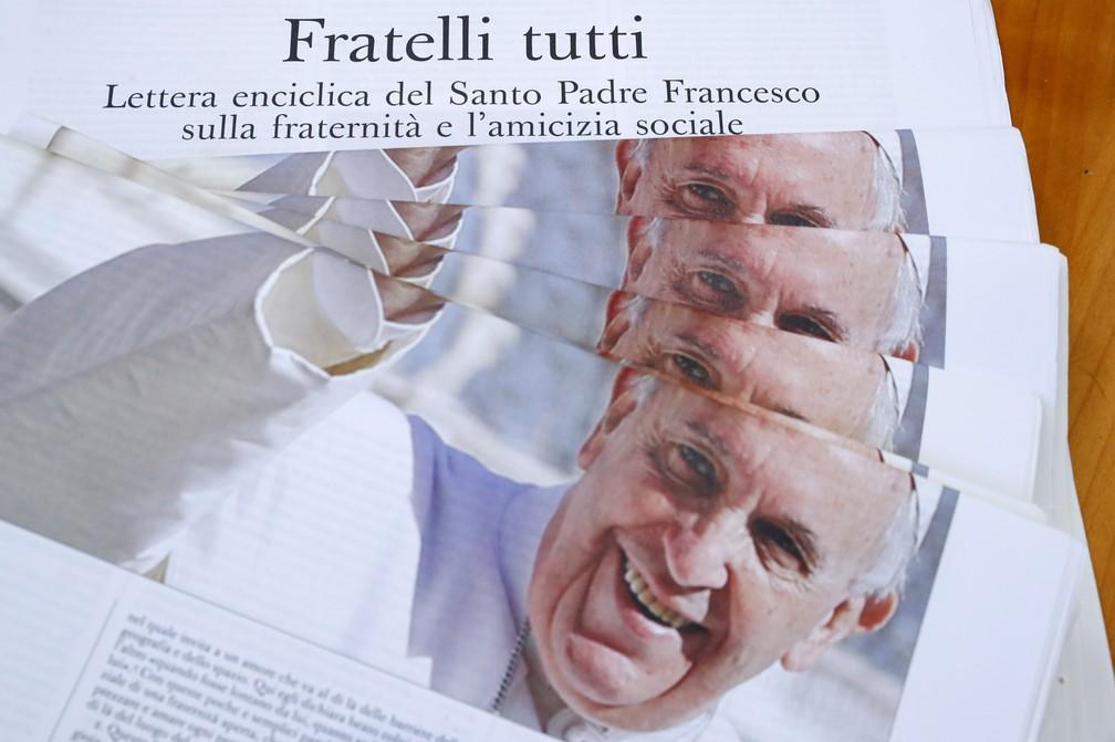 2020 10 04t111435z 708634964 rc2nbj984fja rtrmadp 3 pope encyclical - Papa critica políticas neoliberais de economia em encíclica que cita Vinicius de Moraes