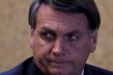 """Bolsonaro contraria Ministério da Saúde e diz que vacina chinesa """"não será comprada"""""""