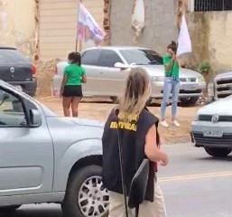 Justiça Eleitoral encontra irregularidades durante panfletagem da candidata Edilma; VEJA VÍDEO
