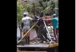 DESAPLAUDIDO EM PENEDO: Carlinhos Maia ganha estátua, mas população impede prefeitura de instalar – VEJA VÍDEO
