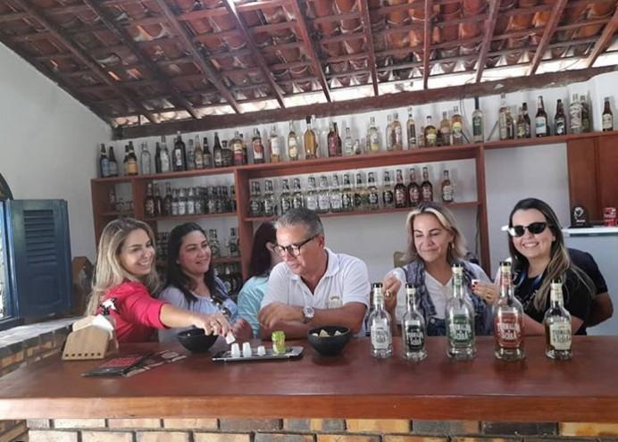 Capturartt 1 - ROTEIRO DO BREJO: Abav, Sebrae e UFPB visitam engenho da cachaça artesanal Turmalina da Serra