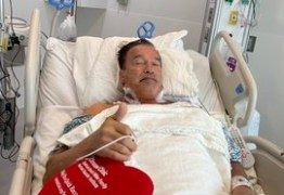 Arnold Schwarzenegger tranquiliza fãs após cirurgia no coração