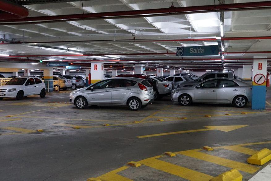 Estacionamento - Lei aprovada pela ALPB garante que perda de ticket de estacionamento não pode gerar cobrança extra