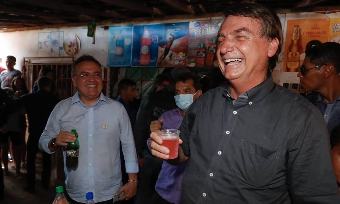 """GUARANA JESUS BOLSONARO - """"QUE BOIOLAGEM ISSO AQUI"""": Deputados e ativistas pedem ao MP investigação de Bolsonaro por declaração homofóbica"""