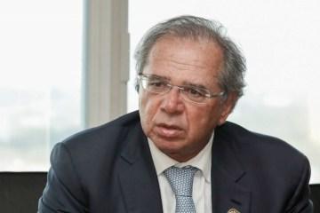 'Jamais esteve sob análise privatizar o SUS, seria uma insanidade falar isso', diz Guedes