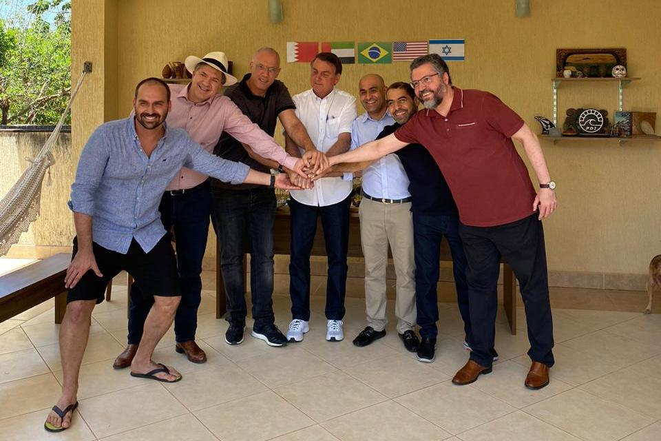 WhatsApp Image 2020 10 04 at 14.48.14 3 - Em churrasco com embaixadores, Bolsonaro celebra acordo no Oriente Médio