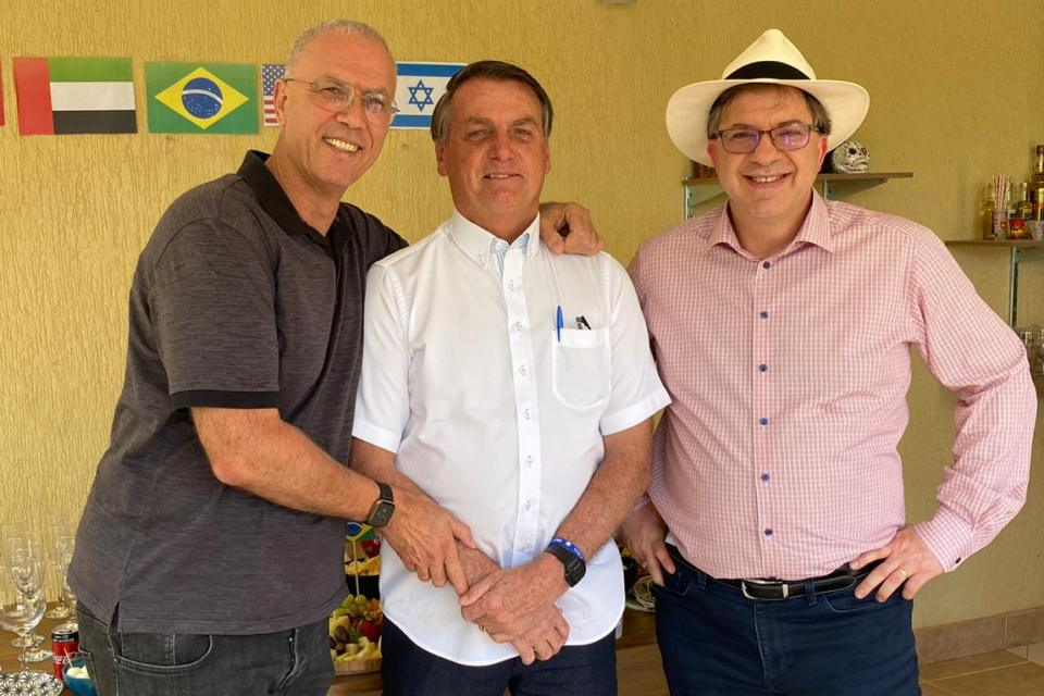 WhatsApp Image 2020 10 04 at 14.48.16 1 - Em churrasco com embaixadores, Bolsonaro celebra acordo no Oriente Médio