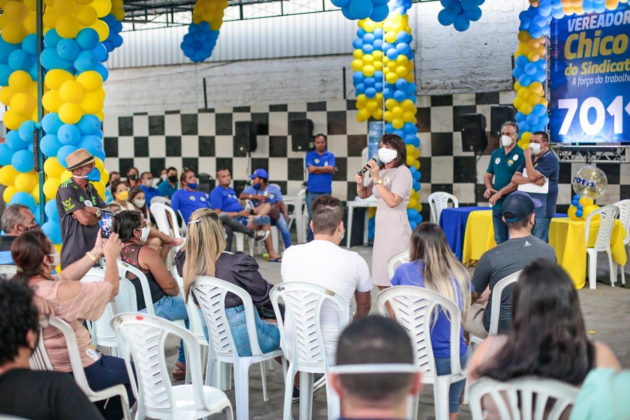 WhatsApp Image 2020 10 04 at 19.02.50 - Ao lado do vereador Chico do Sindicato, Edilma Freire garante que vai entregar o Centro de Monitoramento da Cidade