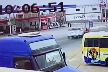 acidente br 230 - Homem e duas adolescentes ficam gravemente feridos após acidente na BR-230; VEJA VÍDEO