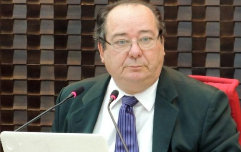 arthur cunha lima - JOGOU A TOALHA: Após revezes, conselheiro afastado do TCE-PB desiste de habeas corpus no STF