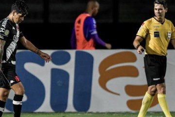Vasco chega a 8 jogos sem vencer e Cano acumula 698 minutos na seca de gols