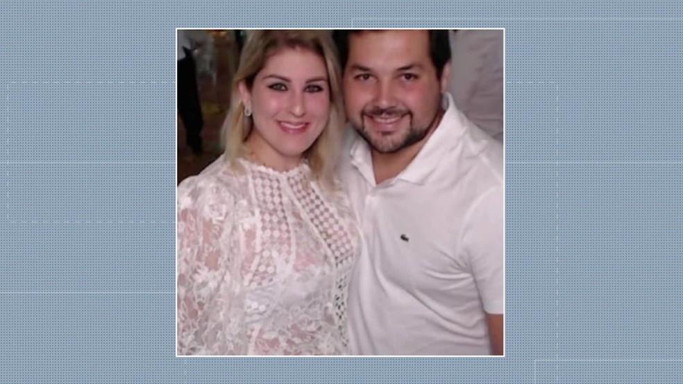 casal tamandare - Justiça do Trabalho determina bloqueio de R$ 2 milhões de Sari Corte Real e Sérgio Hacker