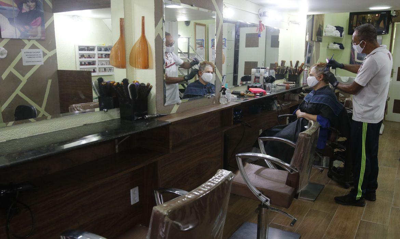 comercio de rua e saloes de beleza reabrem20200627 0337 - RETOMADA DA ECONOMIA: número de empresas em funcionamento cresce em 252,8 mil em um mês