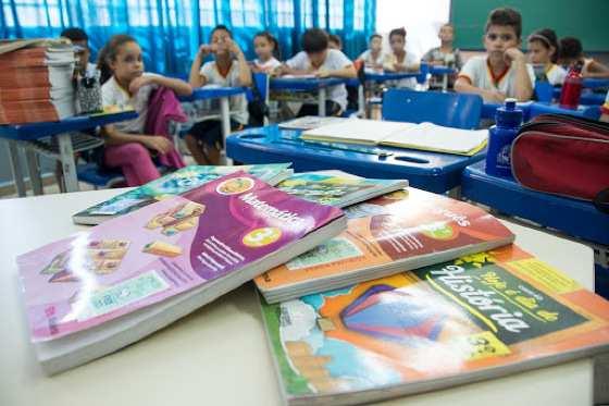 dbcdf7ac482d8c70b909740001f1229a - Corte no MEC pode tirar R$ 1 bi da educação básica e atingir livros didáticos