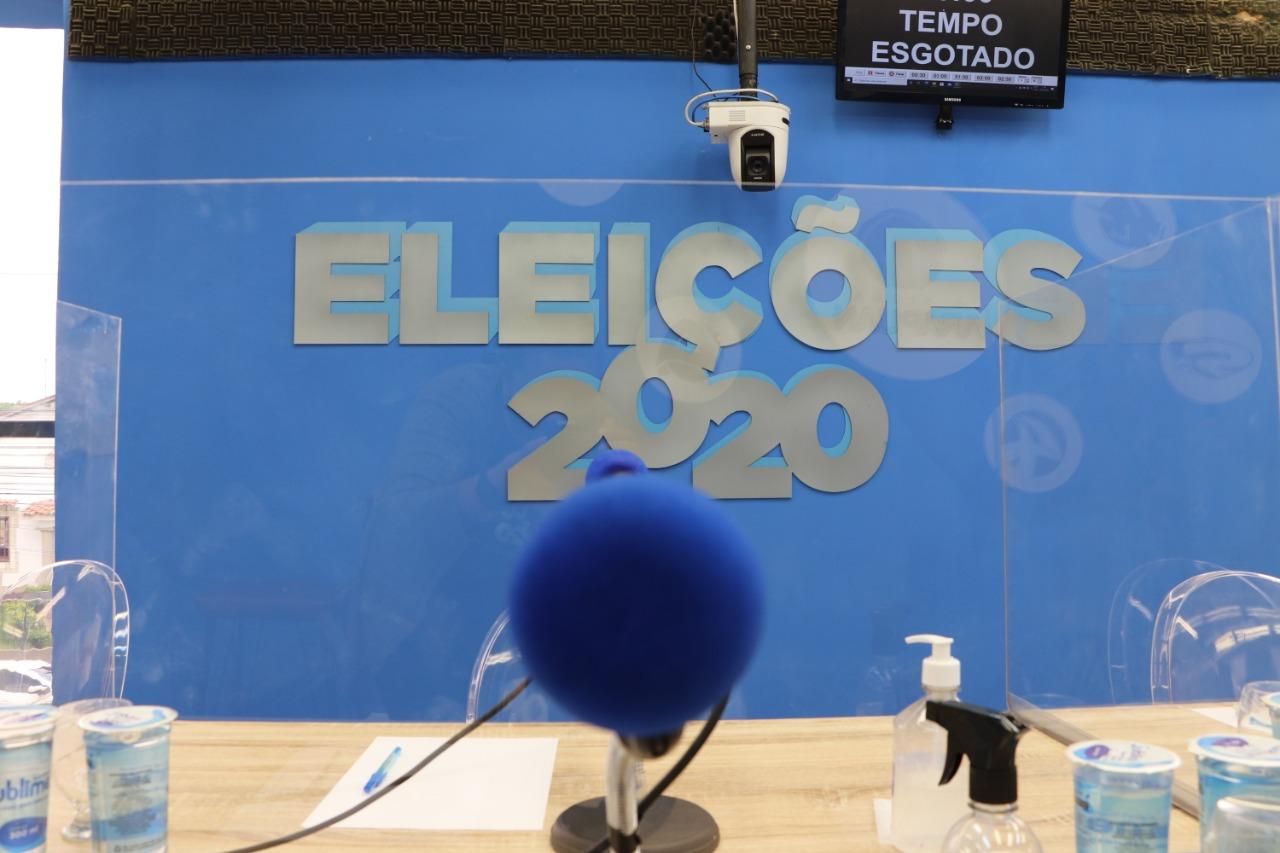 debate radio 3 - Arapuan FM realiza primeiro debate com candidatos a prefeito de Bayeux; saiba como acompanhar