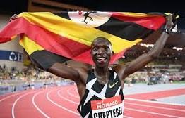 ATLETISMO: Joshua Cheptegei quebra recorde mundial dos 10 mil metros