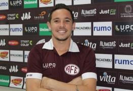 Botafogo-PB anuncia a contratação do lateral-esquerdo Fernando Júnior