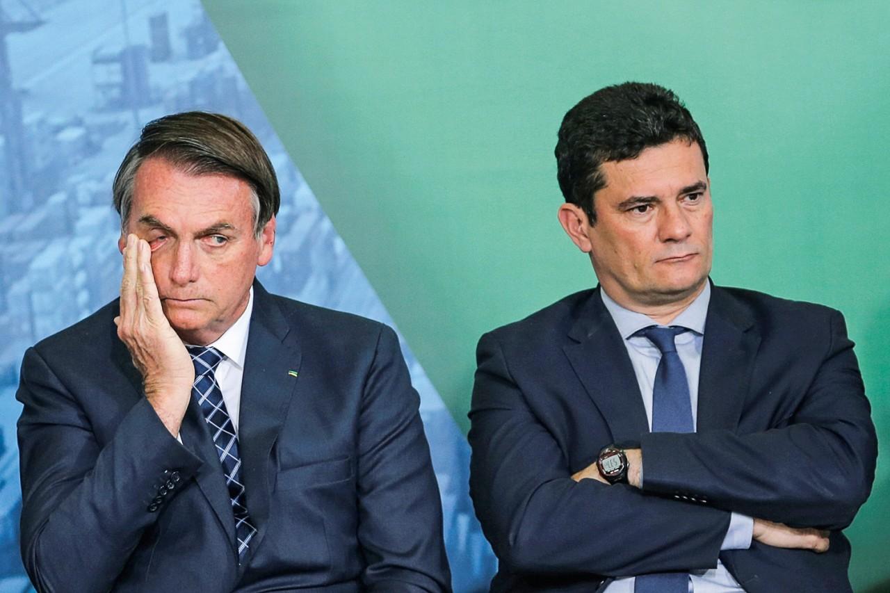 jair bolsonaro sergio moro 2019 1.jpg - Bolsonaro afirma que colabora contra corrupção ao não escolher ministro por apadrinhamento e alfineta Moro