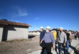 João Azevêdo visita às obras de construção de 500 unidades habitacionais em Santa Rita