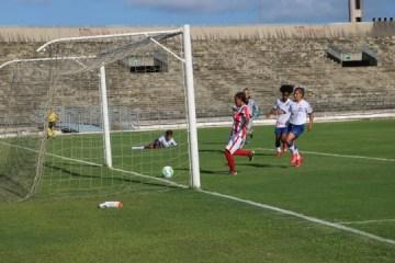 Bahia sai atrás do placar, mas consegue virada sobre o Auto Esporte
