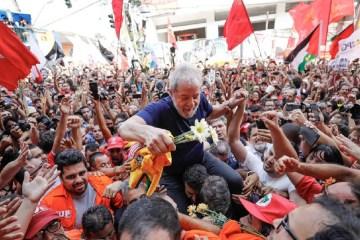 lula livre stuck - Aniversário de Lula mobiliza atos pelo mundo e homenagens nas redes sociais