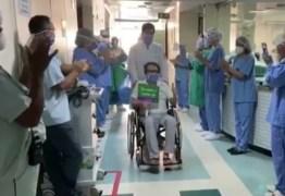 Médico que contraiu Covid-19 trabalhando se recupera após 38 dias em hospital na PB: 'milagre'