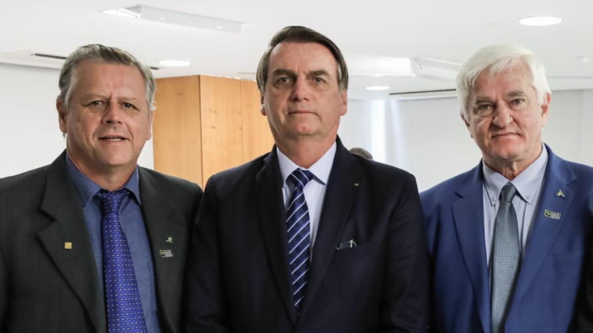 """my post 36 - ONGS TÊM """"VOZ E PODER"""": Produtores de soja que apoiam versão de Bolsonaro sobre queimadas, saem de associação do Agro"""