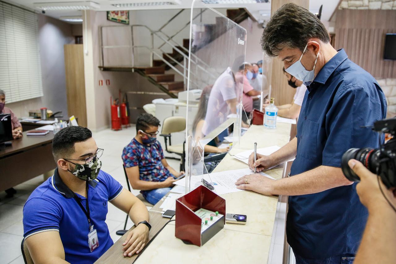 unnamed 2 - Compromisso público: Ruy registra em cartório documento com obrigação de congelar salários de prefeito, vice e secretários