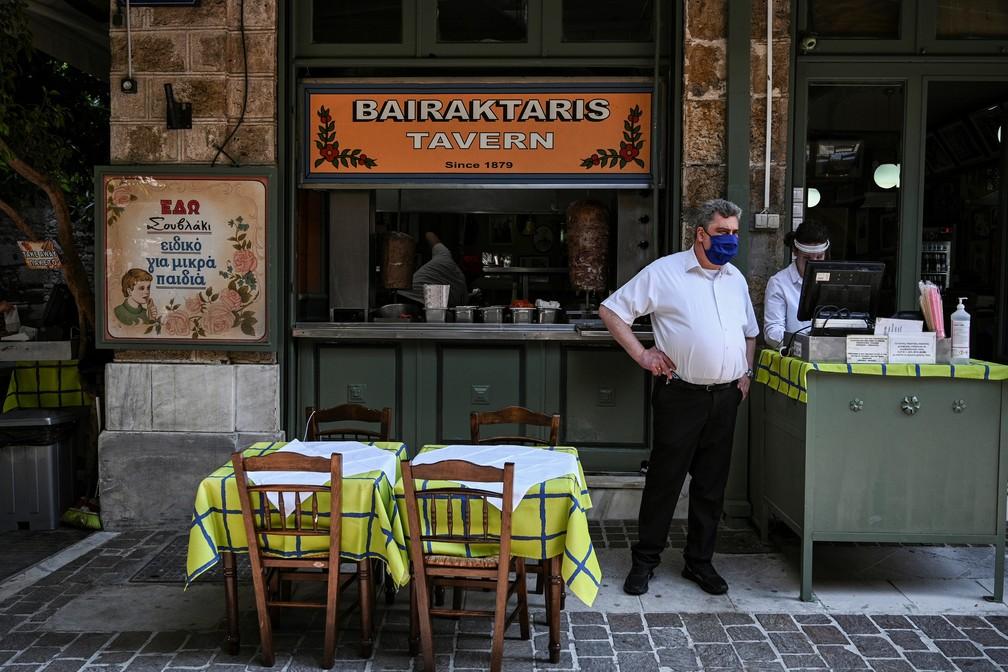 000 1s88mo - COVID-19 NA EUROPA: além do 'lockdown', Grécia impõe toque de recolher noturno