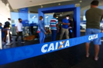 05 08 2020 fila agencia caixa 1 - Caixa planeja abrir banco digital em 2021