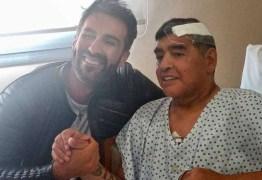 Maradona bateu a cabeça uma semana antes de morrer, diz TV