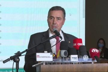 'Milícias digitais' são versão contemporânea do autoritarismo, diz Barroso