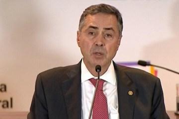 Barroso rebate Bolsonaro sobre segurança na eleição: 'Lido com fatos e provas'