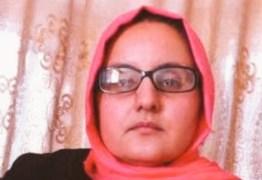 Afegã consegue emprego na polícia, é denunciada pelo pai e tem olhos arrancados