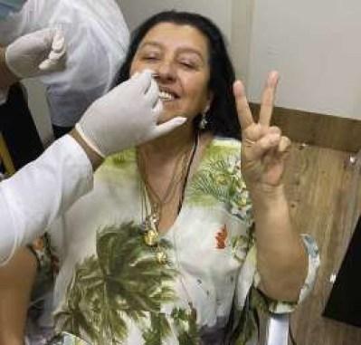 BB1b3Y8t - Regina Casé fez cerca de 30 testes de coronavírus para gravar reta final de Amor de Mãe!