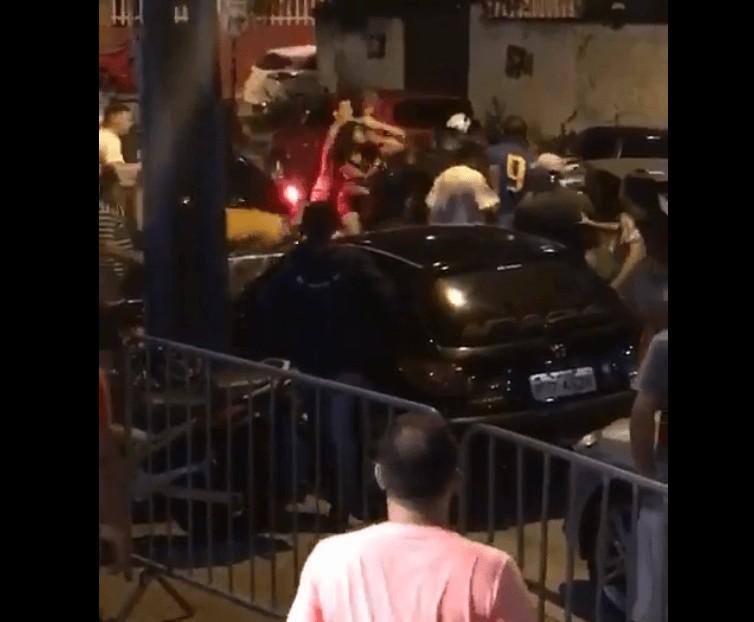 Briga em Manaíra - Briga generalizada em um bar na orla de JP viraliza nas redes sociais - VEJA VÍDEO