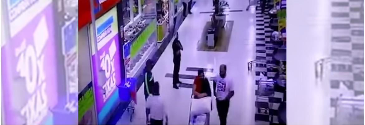 CASO CARREFOUR - Vídeo mostra últimos minutos de cliente no Carrefour antes de ser morto - VEJA IMAGENS